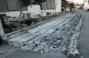 ブロック塀の倒壊イメージ写真